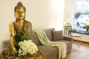 Wartebereich mit Buddha